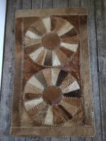 Retró foltvarrott valódi bőr szőnyeg