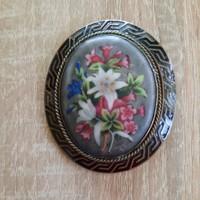 Antik festett porcelán bross