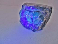 Szép nagyméretű kék borostyán darab kb.190ct