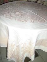 Gyönyörű vintage barackrózsaszín barokk levél mintás damaszt terítő