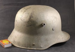 Világháborús német rohamsisak 602