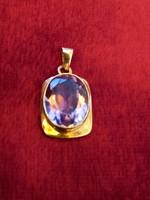 Arany medál ametiszt kővel (9k)