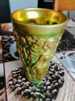 Zsolnay eozin Török János által tervezett szüretelő pohár.