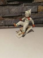Aquincum porcelán szánkózó gyerek!