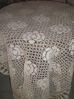 Gyönyörű kézzel horgolt antik ekrű terítő