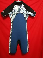 68 cm mellkas kerületű, neoprén szörfruha,búvárruha, úszó-fürdőruha