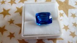 7.90 karátos kék zafír drágakő tanúsítvánnyal
