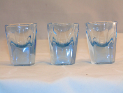 Kék likőrös poharak