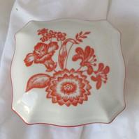 Zsolnay virágmintás porcelán bonbonier, jelzett, 10,2 x 10,2 x 6 cm.