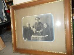 Nagyon öreg családi fotó