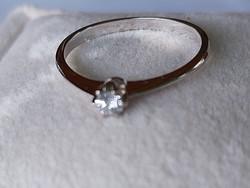 14 k arany soliter gyűrű/brill
