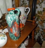 Dekoratív füles kerámia füles váza.