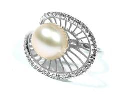 Ezüst gyöngyös gyűrű(Kecs-R53232)