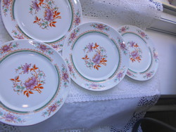 4 db Alföldi retro porcelán  tányér-az ár a 4 db-ra vonatkozik  450 Ft/db