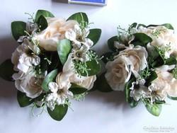Ünnepi dekoráció: virágos, rózsás asztali dísz, gyertyagyűrű-2 db egyben