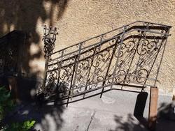 2 db antik kovácsoltvas lépcsőkorlát