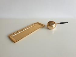 Régi retro arany színű fém kávés tálca kínáló és mokkás kiöntő