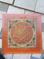 Vintage, sárkány mintás fal-elem, 45x45/33×33 cm, minimum 50 éves, rétegelt falemez, gipsz stukkó
