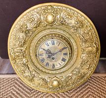 Díszes,régi,nagyméretű falidísz óra faunokkal.