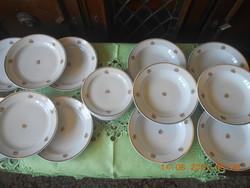 Zsolnay porcelán, tányérkészlet