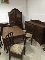 Antik étkező garnitúra, komód, vitrin, asztal székekkel