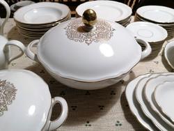 52 részes, 8 személyes étkészlet fehér, aranyszegélyes, elegáns kivitelben, nagyon szép állapotban