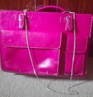 Pink színű, rendkívűl rrős bőr női, irattartó táska lánccal!