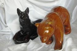 Kerámia medve+ kutya, medve  hossza 26 cm, 15 cm magas, kutya hossza 22,5 cm, 6,5 cm magas