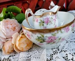 Gyönyörű porcelán cukortartó és kiöntő