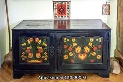 Festett régi népi bútorkollekcióból 2 db kómód eladó