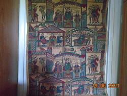 1077-ben készült BAYEUX KÁRPIT nyomán kézzel festett ,kézzel hímzett colage vászon falikép