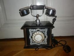 Régi szovjet antik formájú tárcsás telefon