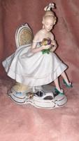 Extra ritka Wallendorf balerina cicával