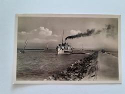 Régi hajós képeslap 1942 Siófok Balaton hajó a mólónál balatoni levelezőlap