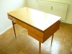Retró íróasztal