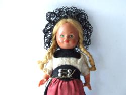 Régi, retró babaház méretű celluloid baba eredeti ruházatban-főkötős viseleti öltözetben