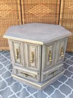Rusztikus Tárolós kis asztal vagy kis Komód vagy éjjeli szekrény