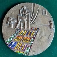 Czinder Antal: Matisse szőnyege, egyedi, szerelt érem, plakett, kisplasztika