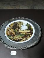 Fémszélű jelenetes porcelán tányér