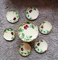 Körmöcbányai kínáló tányérokkal