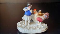 Antik mini,  porcelán kislány, kakassal.