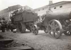 Katonák, vontatás, Skoda ágyú, vontató jármű, érdekes kép, ritka, 11x7,5 cm