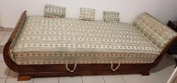 Biedermeier hattyúágy szófa, sofa, ágy, kanapé 3 db díszpárnával