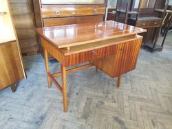 Régi retro mahagóni színű mid century íróasztal asztal