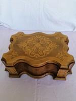 Különleges,régi ékszertartó fa doboz