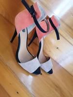 Zara Basic női tűsarkú nyári cipő 39 - s  Belső talphossz 25 - 25.5 cm