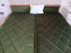 2 db ágyneműtartós koloniál kárpitozott ágy
