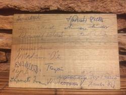 Emlékérme-aláírásokkal-fa táblán-NME 1944-74
