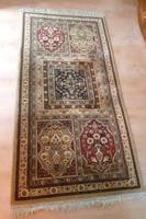 Gépi csomózású perzsa szőnyeg. 180x90 cm
