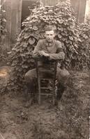 Katona portré kép, fekete karszalaggal 1918 kuk Bahnhof Kommando